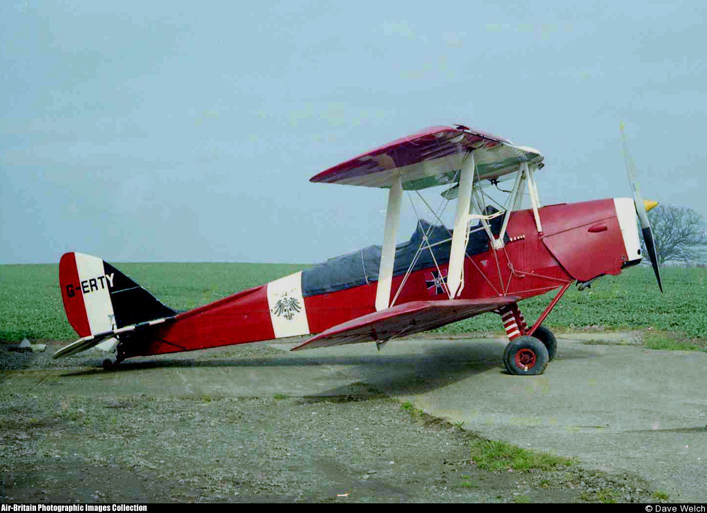 Tiger Moth Dave Welch.jpg
