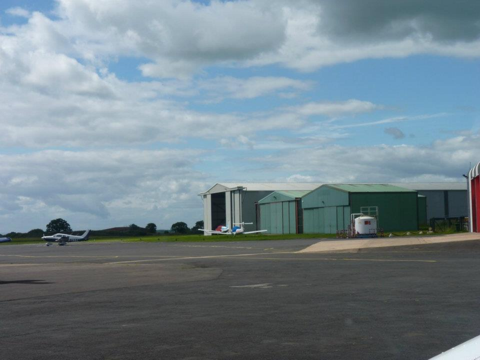 003Taxiing out to main runway 5:8:11.jpg