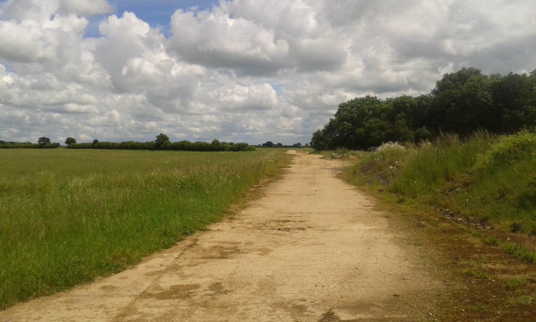 003Southrop Airfield perimeter runway.jpg