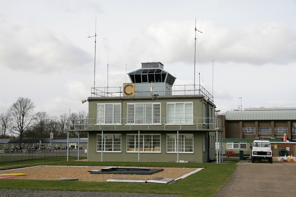 015Control tower - Nick Challoner.JPG