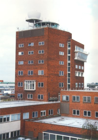 001-1950s control tower - Nick Challoner.jpg