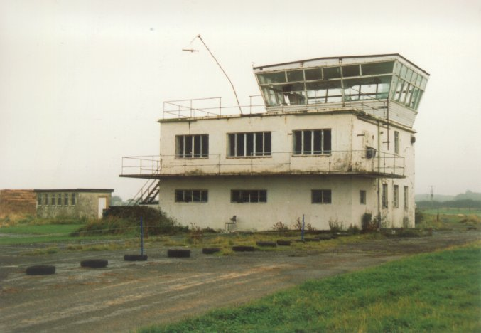 004Control tower - Nick Challoner.jpg