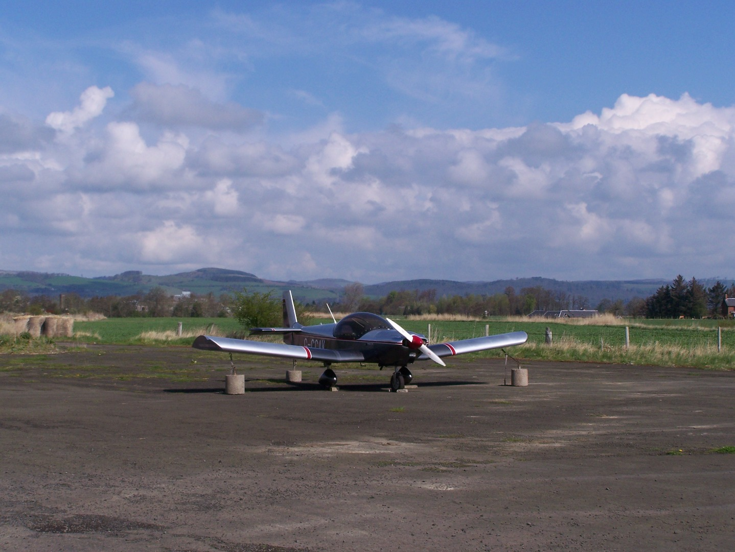 One of Errol's few resident aircraft, a Zenith Aircraft Company Zodiac CH 650 (29:05:2008).JPG