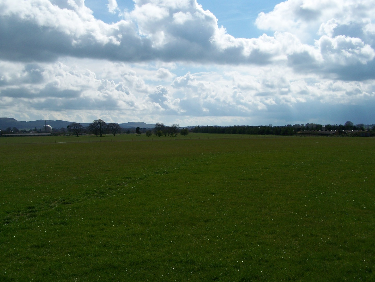 View across the airfield from the east side (29:05:2008).JPG