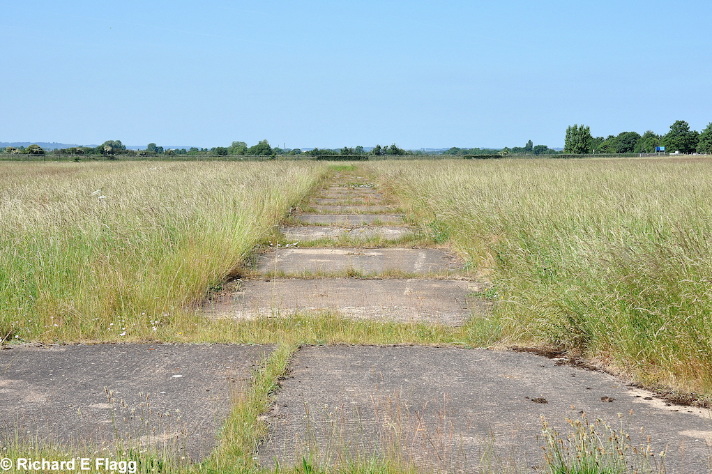 004Airfield & Technical Site. Trackway near the airship sheds - 25 June 2010.png