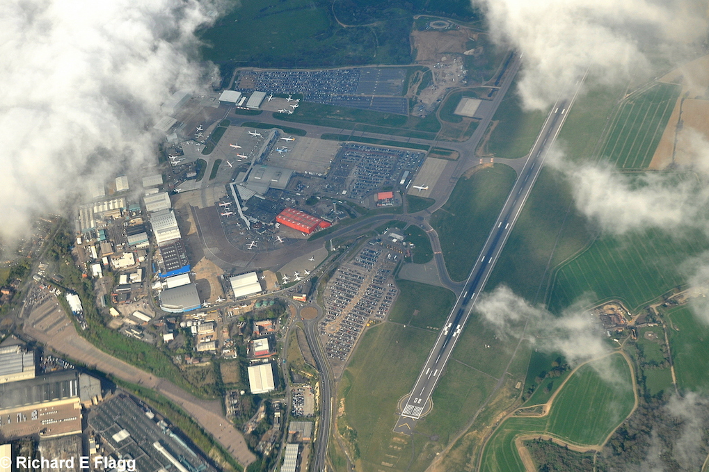 002Aerial View 2 of Luton Airport - 18 April 2014.png