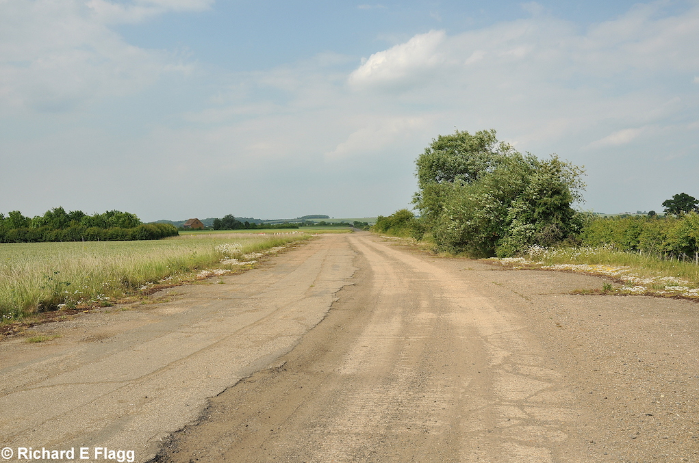 007Taxiway at the south east of the airfield. Looking north - 26 June 2010.png