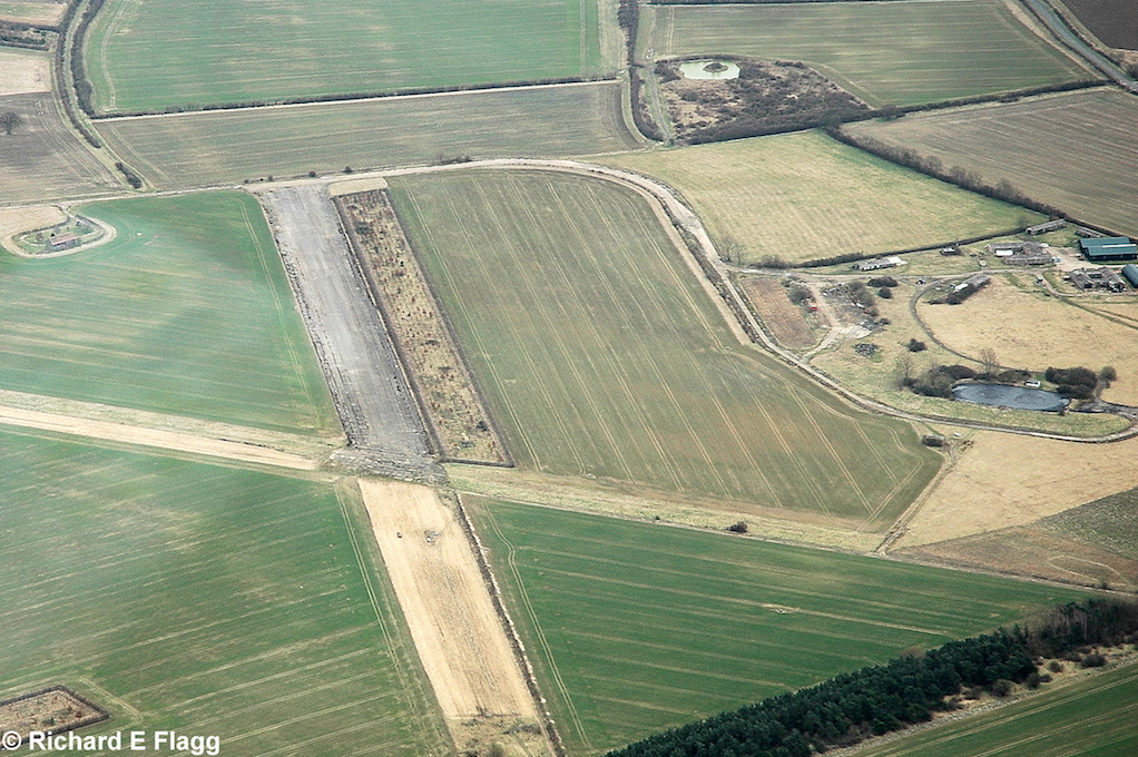 003Aerial View3. RAF Tempsford Airfield - 14 March 2009.png