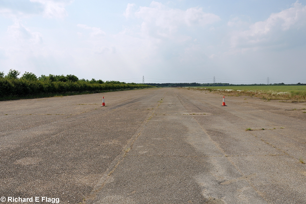 005Runway 13:31. Looking north west from the runway 31 threshold - 26 June 2010.png