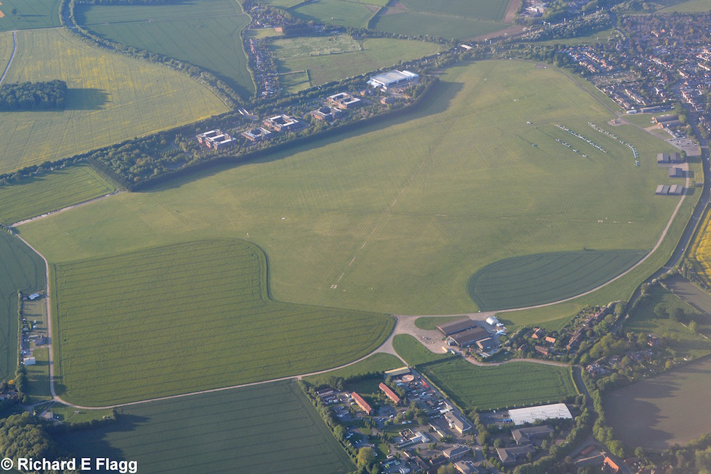 002White Waltham Airfield - 24 May 2016.png