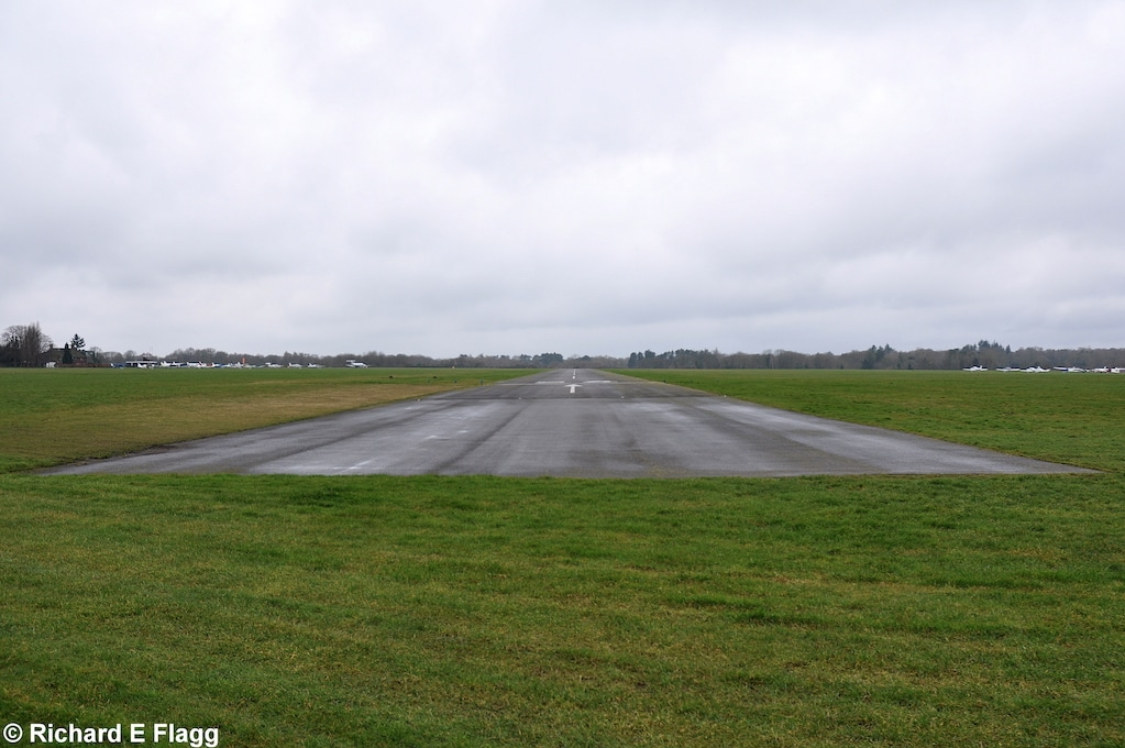 001Runway 06:24. Looking south west from near the runway 24 threshold - 9 February 2013.png