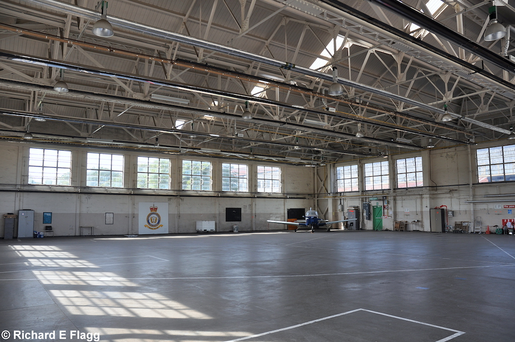009Hangar (Building 275) interior - 15 September 2012.png
