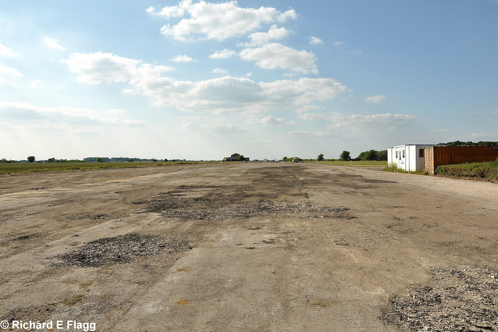 006Runway 16:34. Looking north west - 25 June 2010.png