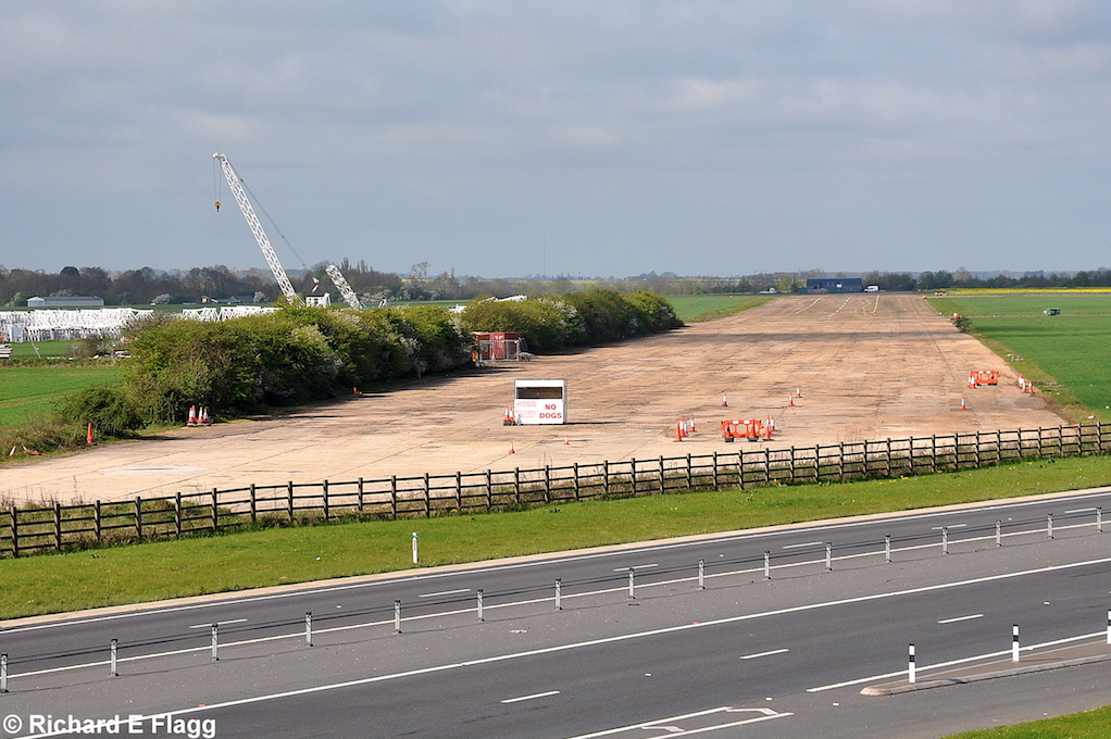 003Runway 06:24. Looking south west - 26 April 2010.png
