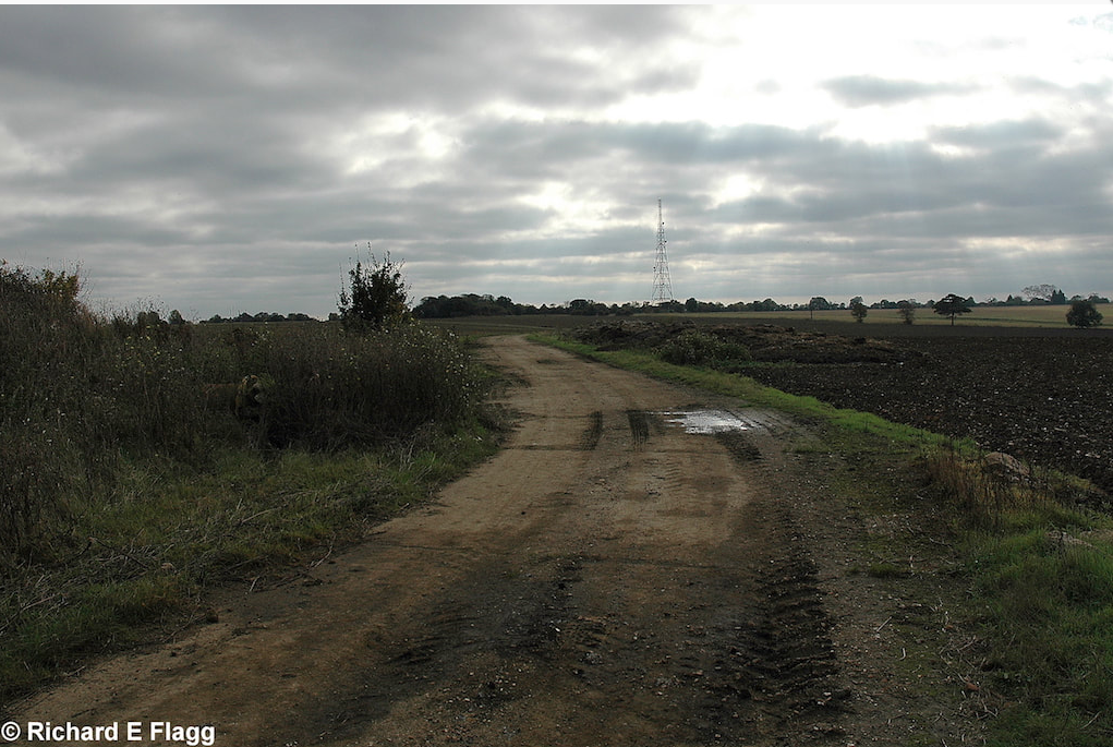 004Taxiway at the west of the airfield. Looking south from the runway 14 threshold - 13 October 2007.png