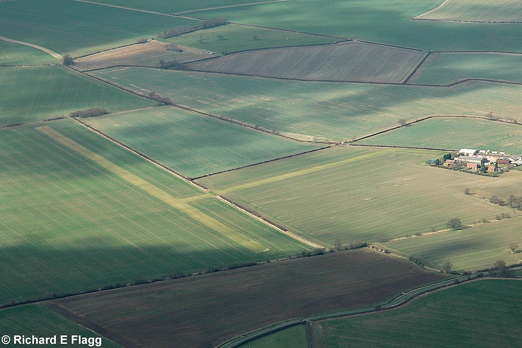 Aerial View of Conington : Hall Farm Airfield - 14 March 2009.png