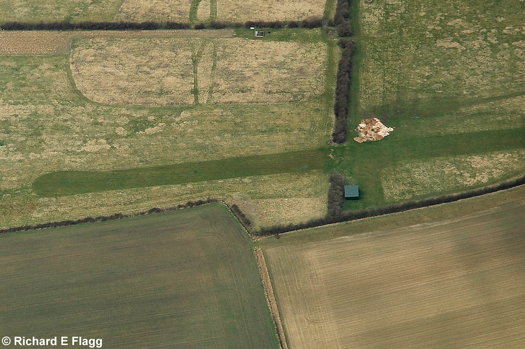 004Aerial View of College Farm Airstrip - 14 March 2009.png