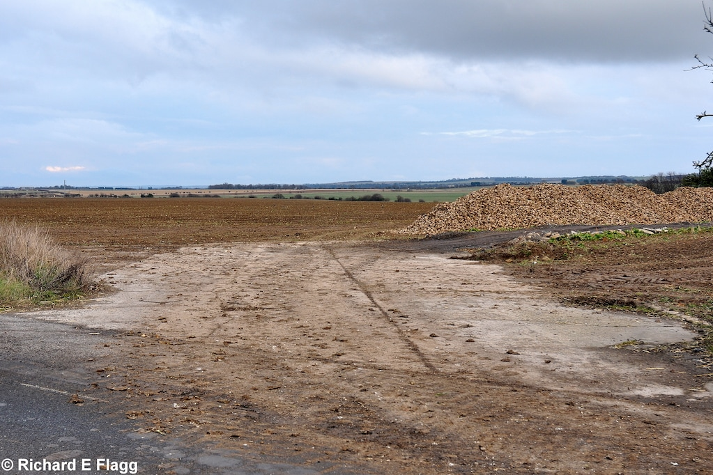 005Taxiway at the east of the airfield. Looking east from London Road - 9 February 2013.png
