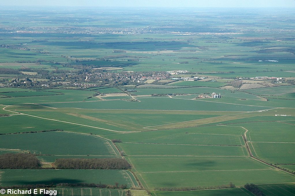 001Aerial View of RAF Gransden Lodge Airfield - 5 April 2009.png