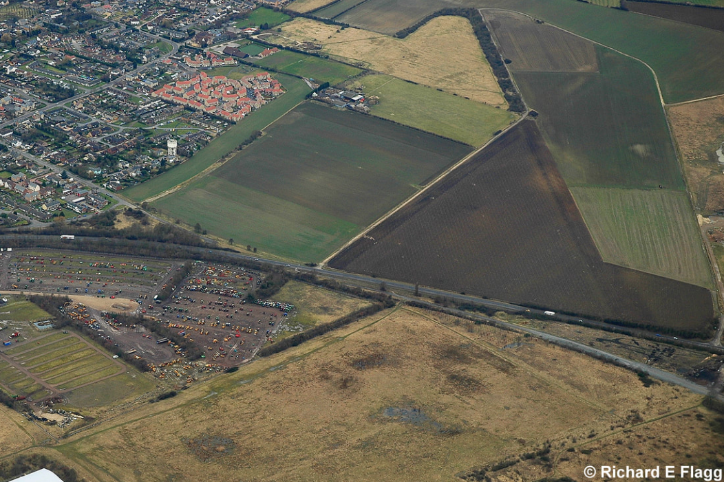 016Aerial View of RAF Mepal Airfield 3 - 22 February 2009.png