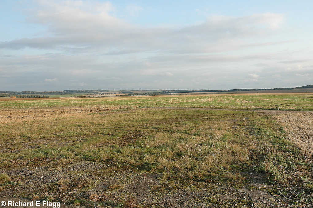 003Taxiway at the north of the airfield. Looking south towards the airfield from adjacent to the memorial - 7 September 2008.png