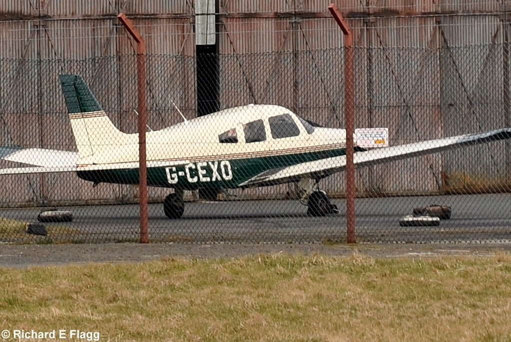 003Piper PA-28-161 Warrior III (G-CEXO) - 31 March 2013.png
