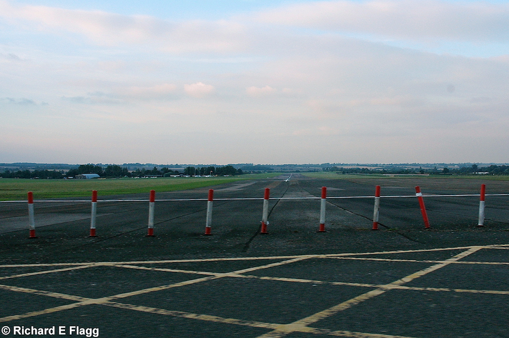 007Runway 02:20. Looking north from the runway 02 threshold - 30 August 2007.png