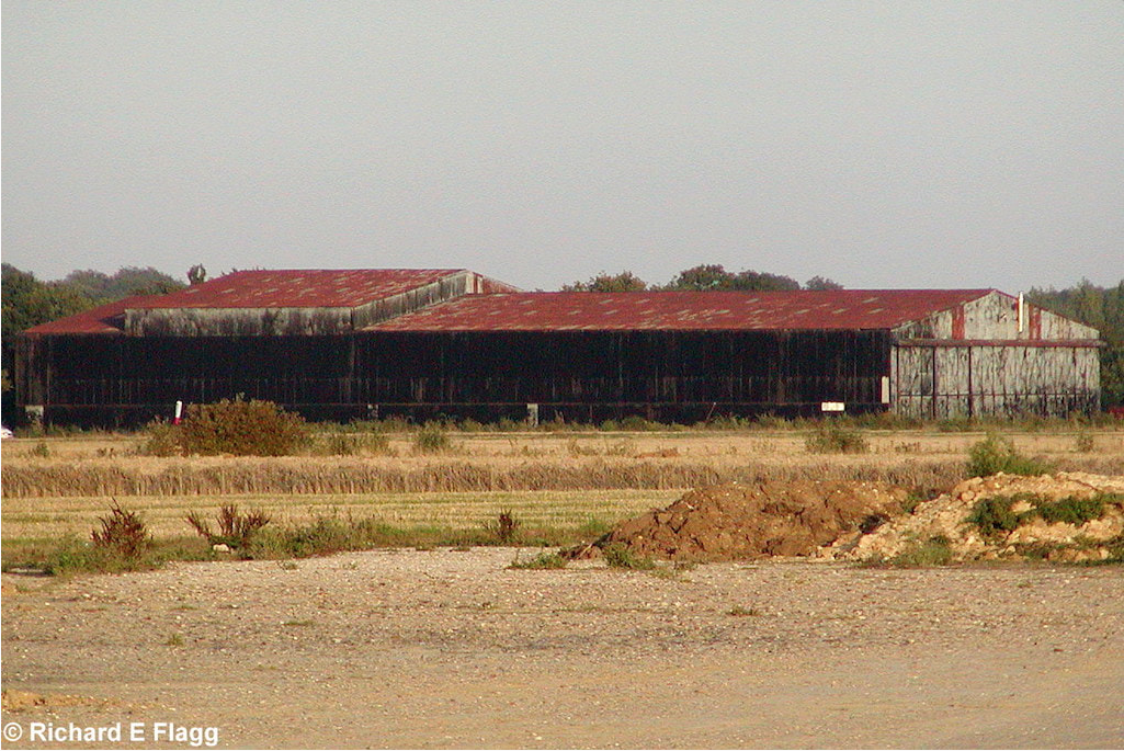 007Hangar : T2 Type Aircraft Shed - 10 September 2006.png