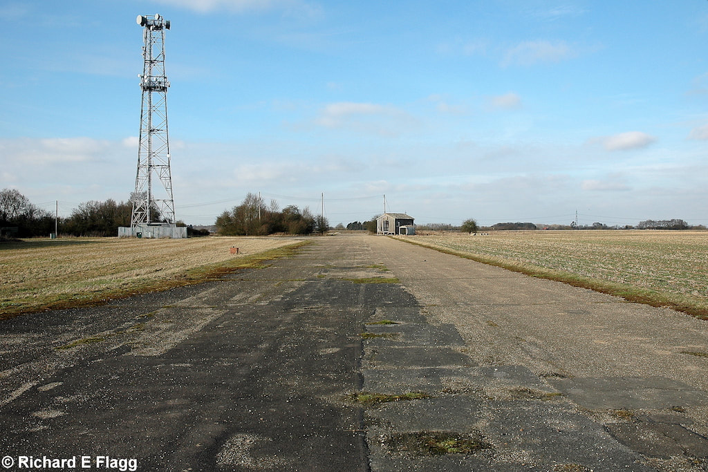 013Taxiway at the west of the airfield. Looking north west - 21 February 2009.png