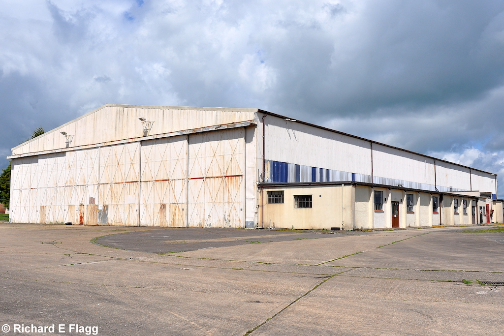 001Hangar : T2 Type Aircraft Shed (Building 73) - 6 June 2012.png