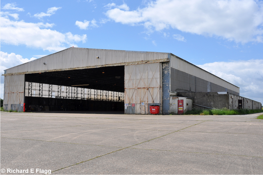 002Hangar : T2 Type Aircraft Shed (Building 161) - 6 June 2012.png