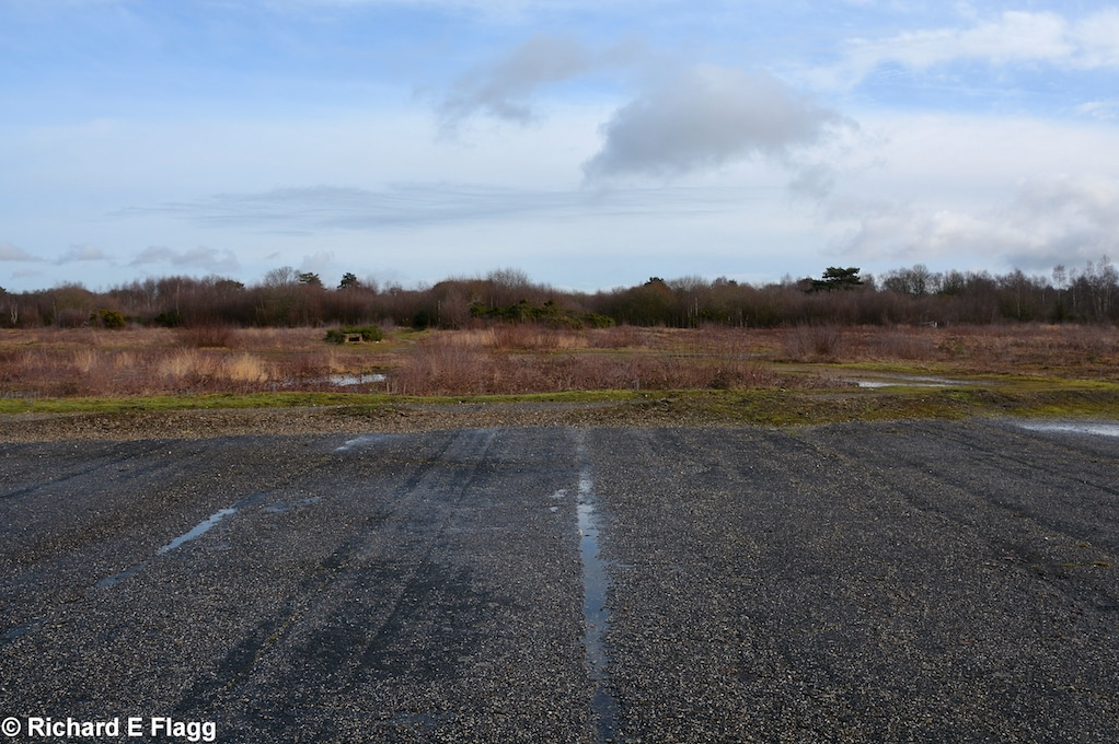 001Runway 08:26 (now 07:25). Looking east from the runway 14:32 intersection - 4 February 2017.png
