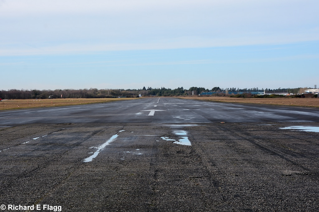 003Runway 08:26 (now 07:25). Looking west from the runway 14:32 intersection - 4 February 2017.png