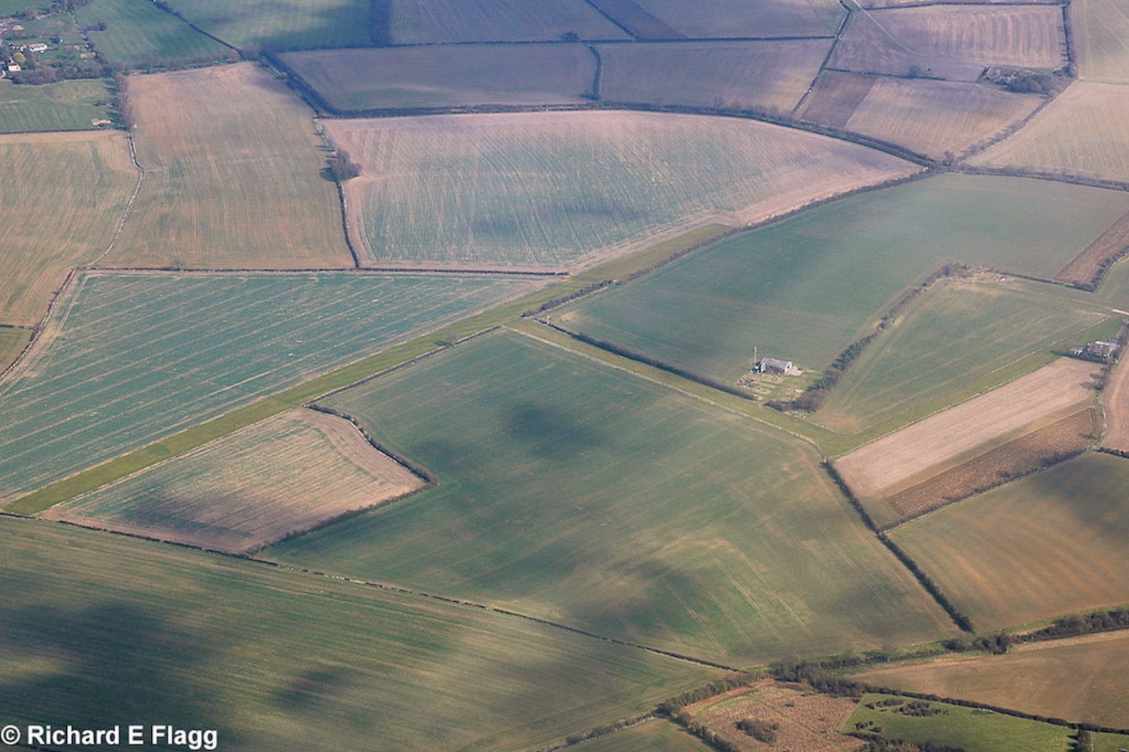 001Aerial View of Manor Farm Airfield - 22 March 2009.png