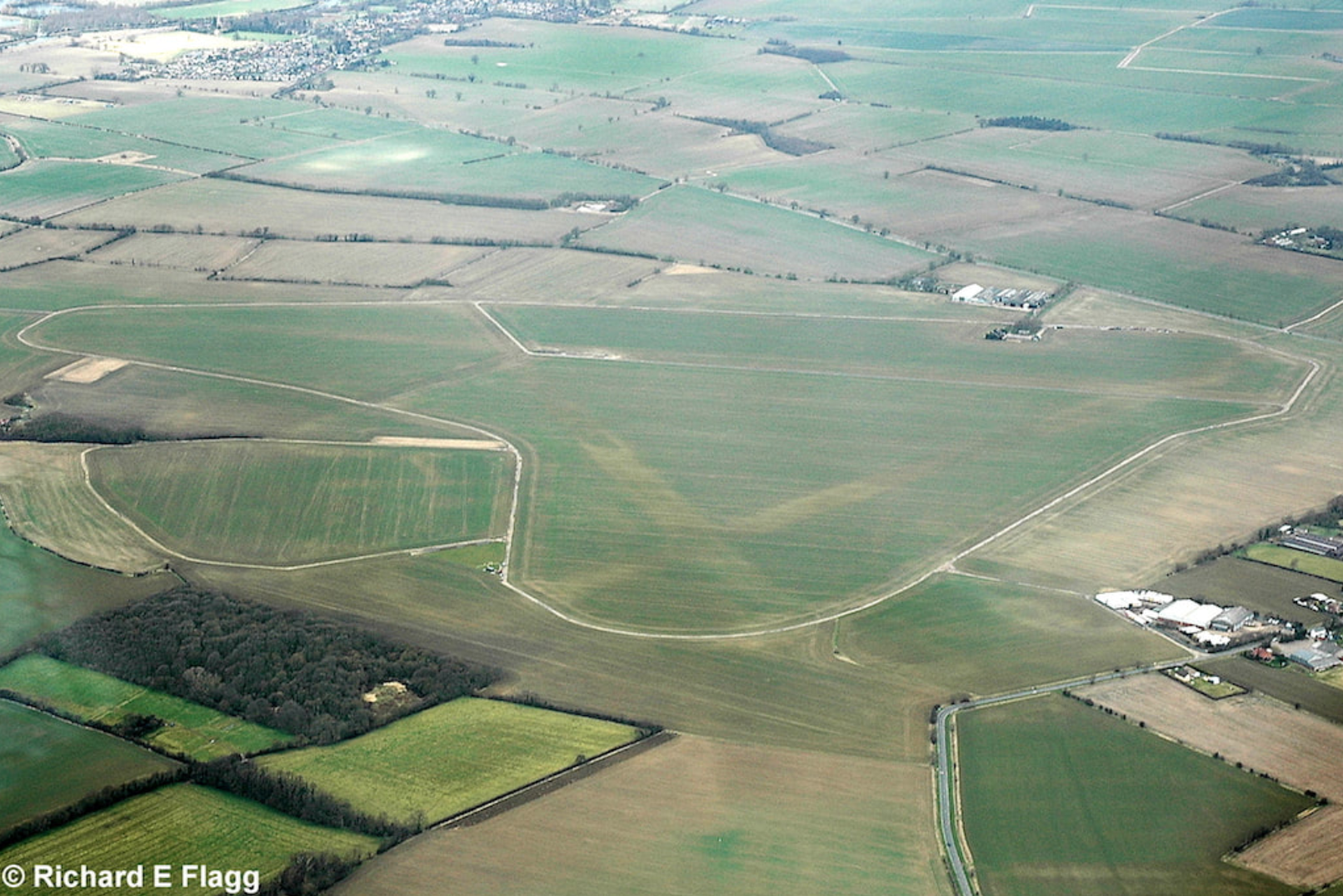 014Aerial View of RAF Graveley Airfield - 14 March 2009.png