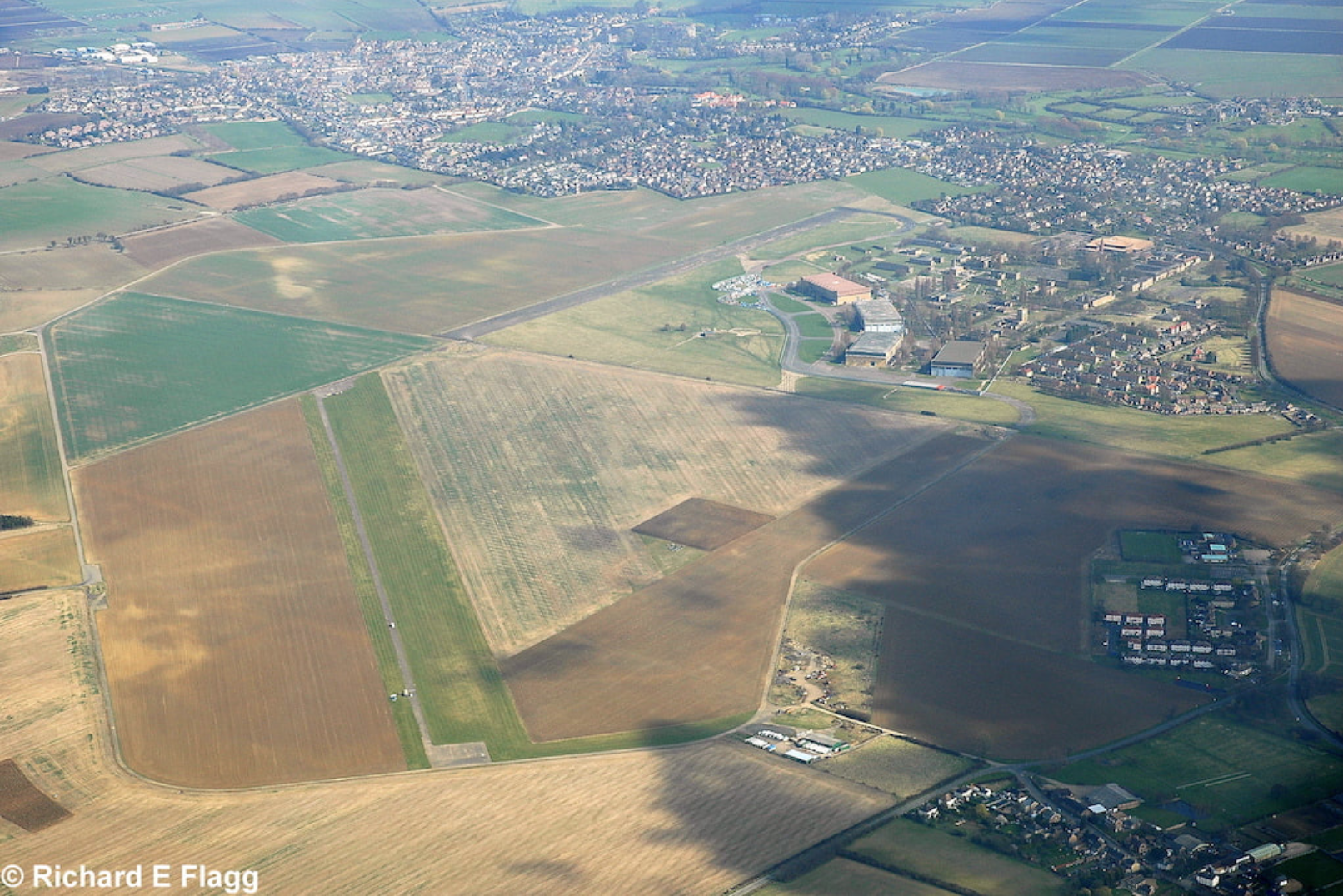 012Aerial View of RAF Upwood Airfield - 22 March 2009.png