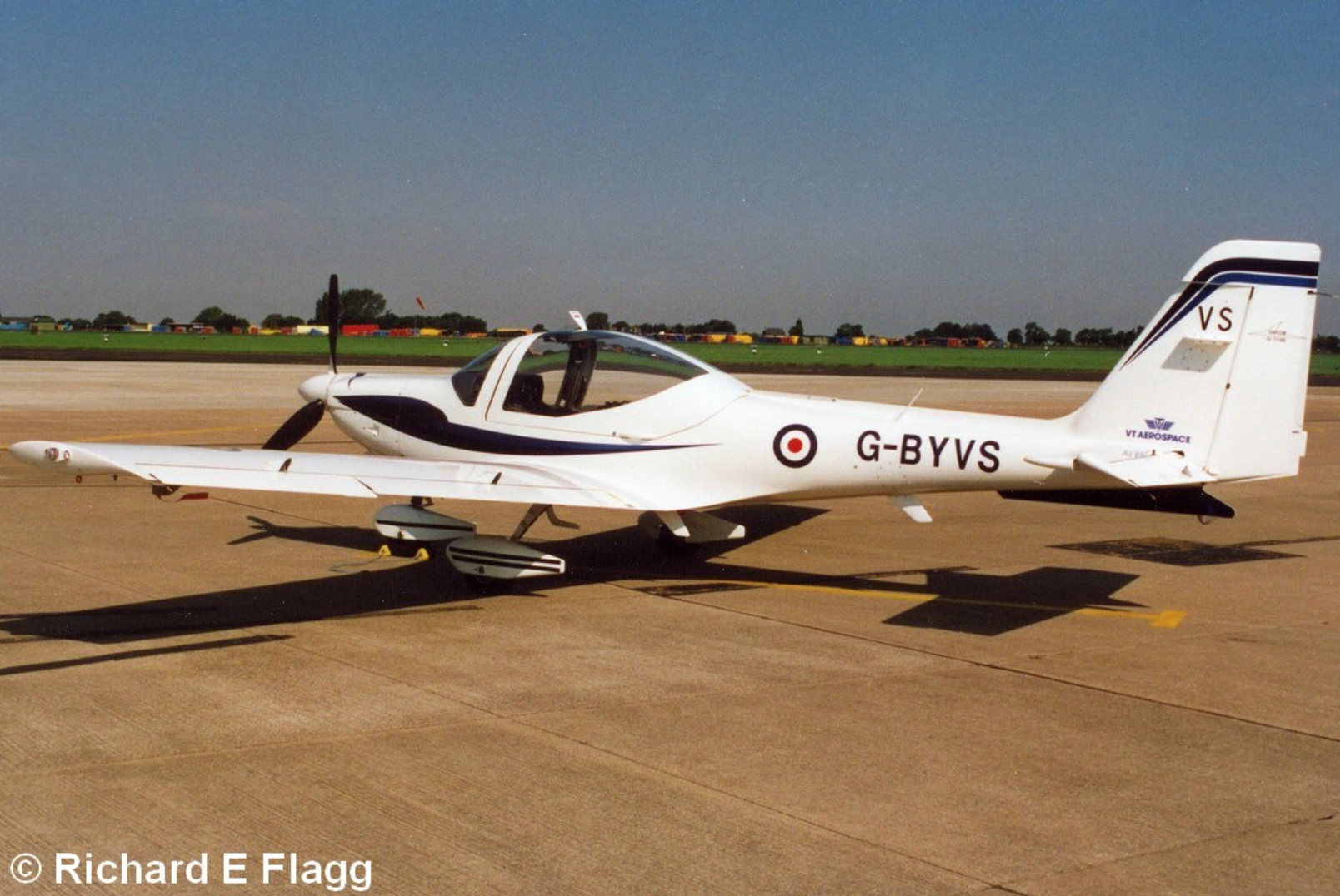 004Grob G-115E Tutor (G-BYVS) - 15 August 2001.png