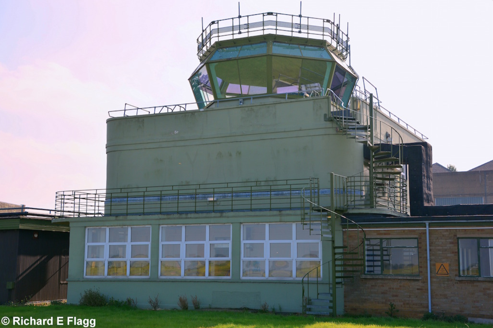 006Control Tower : Watch Office with Met Section (Building 88) - 4 October 2015.png