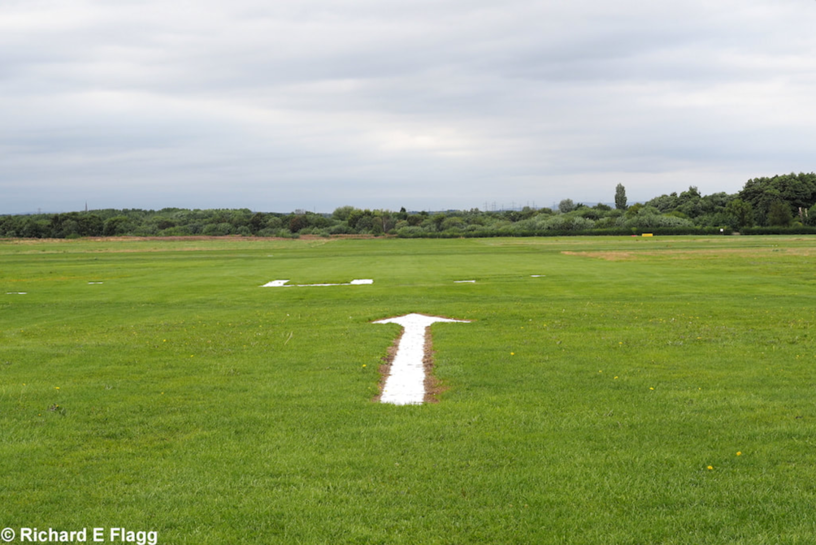 002Runway 02:20. Looking north from the runway 02 threshold - 18 August 2018.png