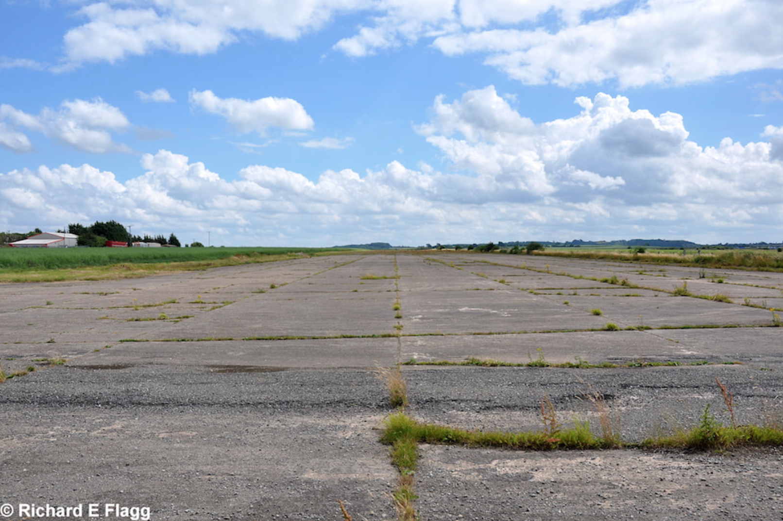 002Runway 15:33. Looking south east from the runway 15 threshold - 28 July 2013.png