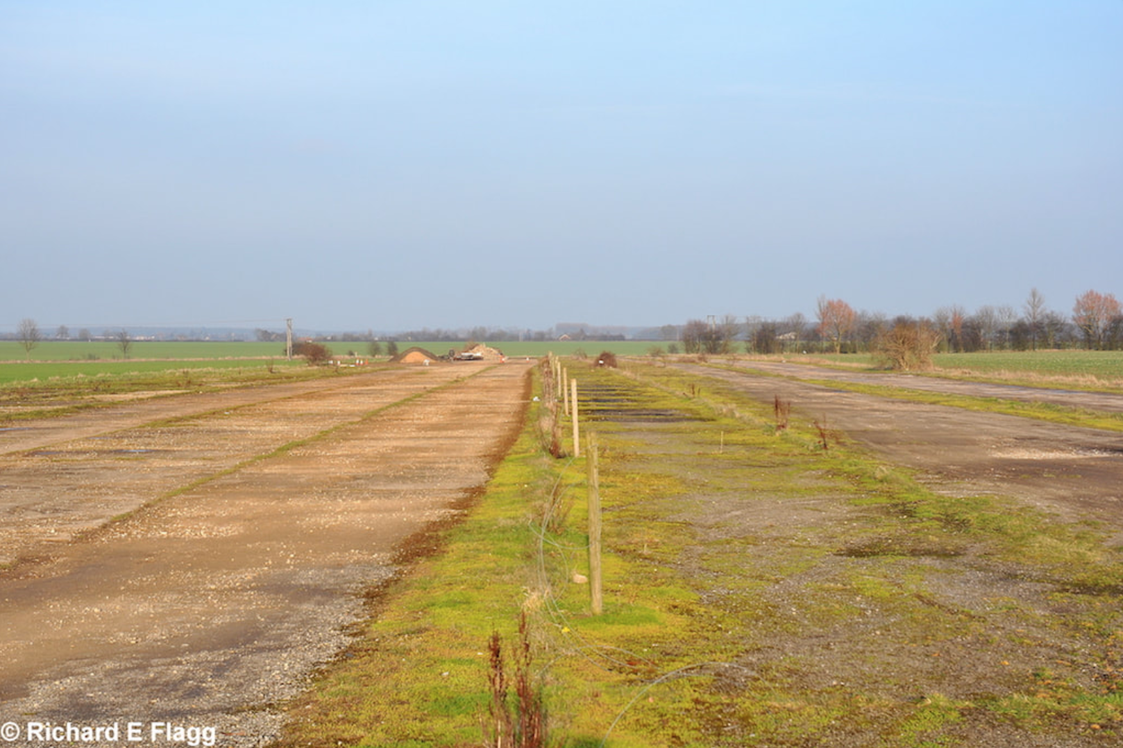 005Runway 05:23. Looking north east from Reepham Road - 9 February 2011.png