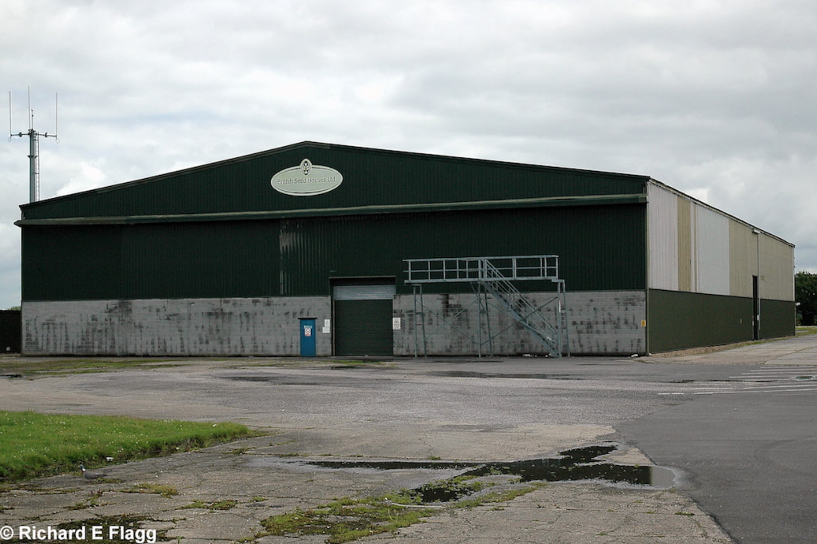 008Hangar : T2 Type Aircraft Shed - 1 July 2007.png
