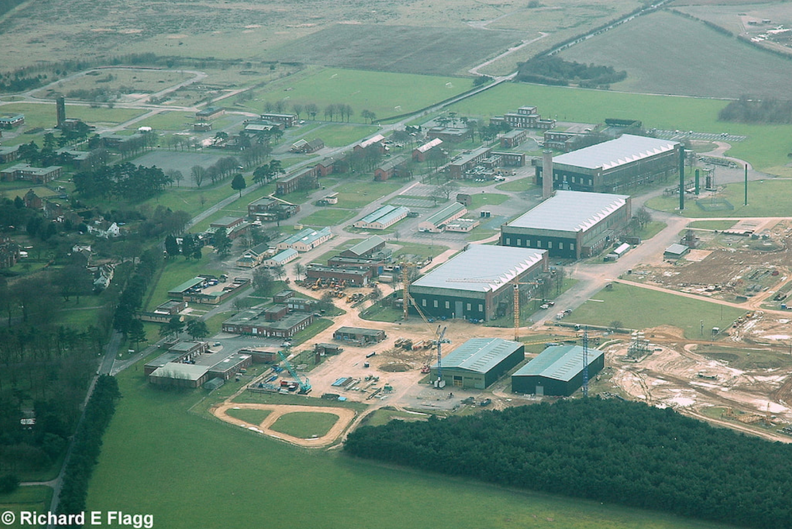 016Aerial View of RAF Bircham Newton Airfield - 15 March 2009.png