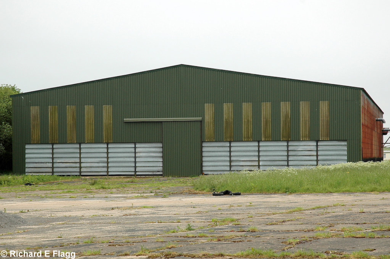 010T2 Type Aircraft Shed 4 - 25 May 2007.png
