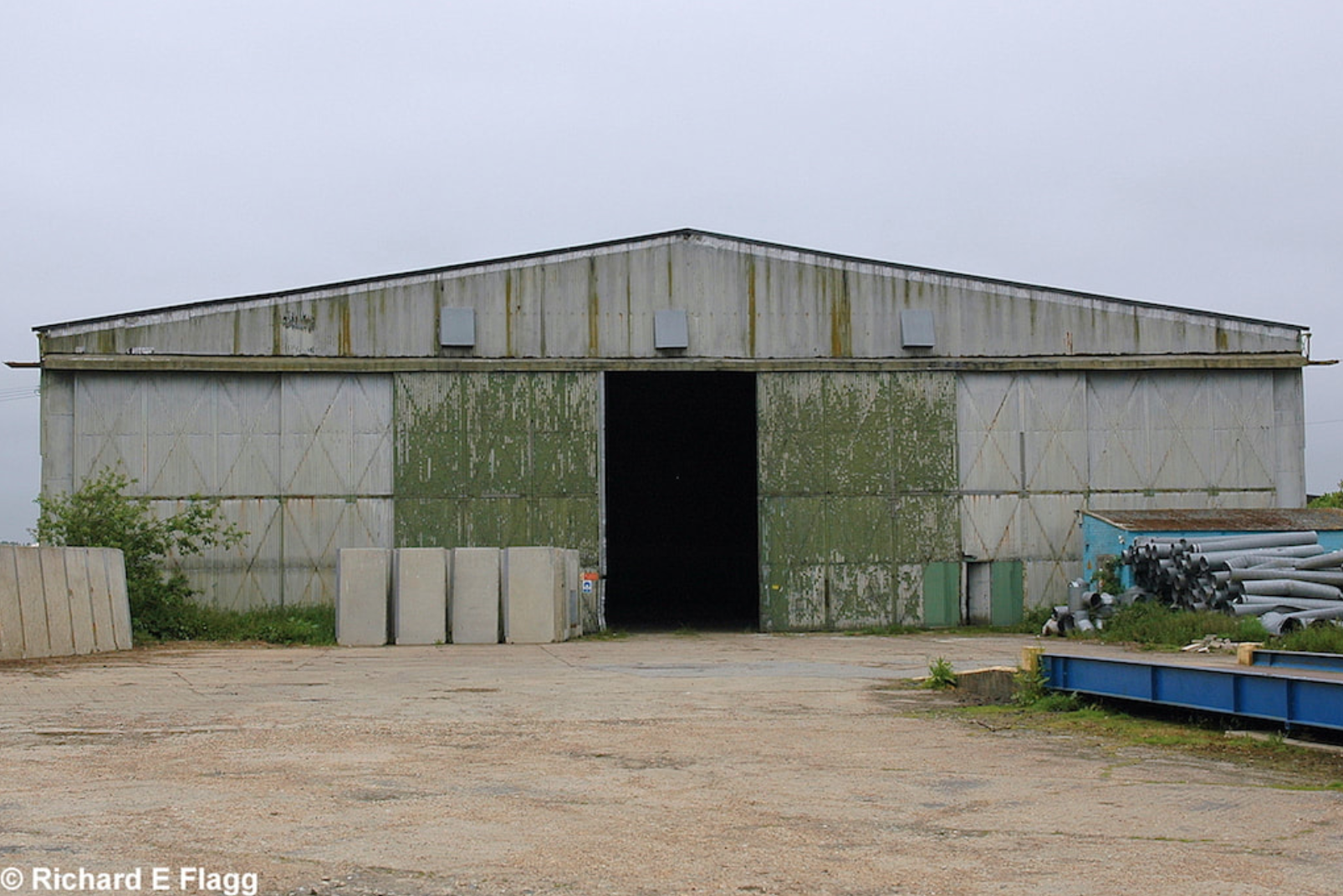 012T2 Type Aircraft Shed - 25 May 2007.png
