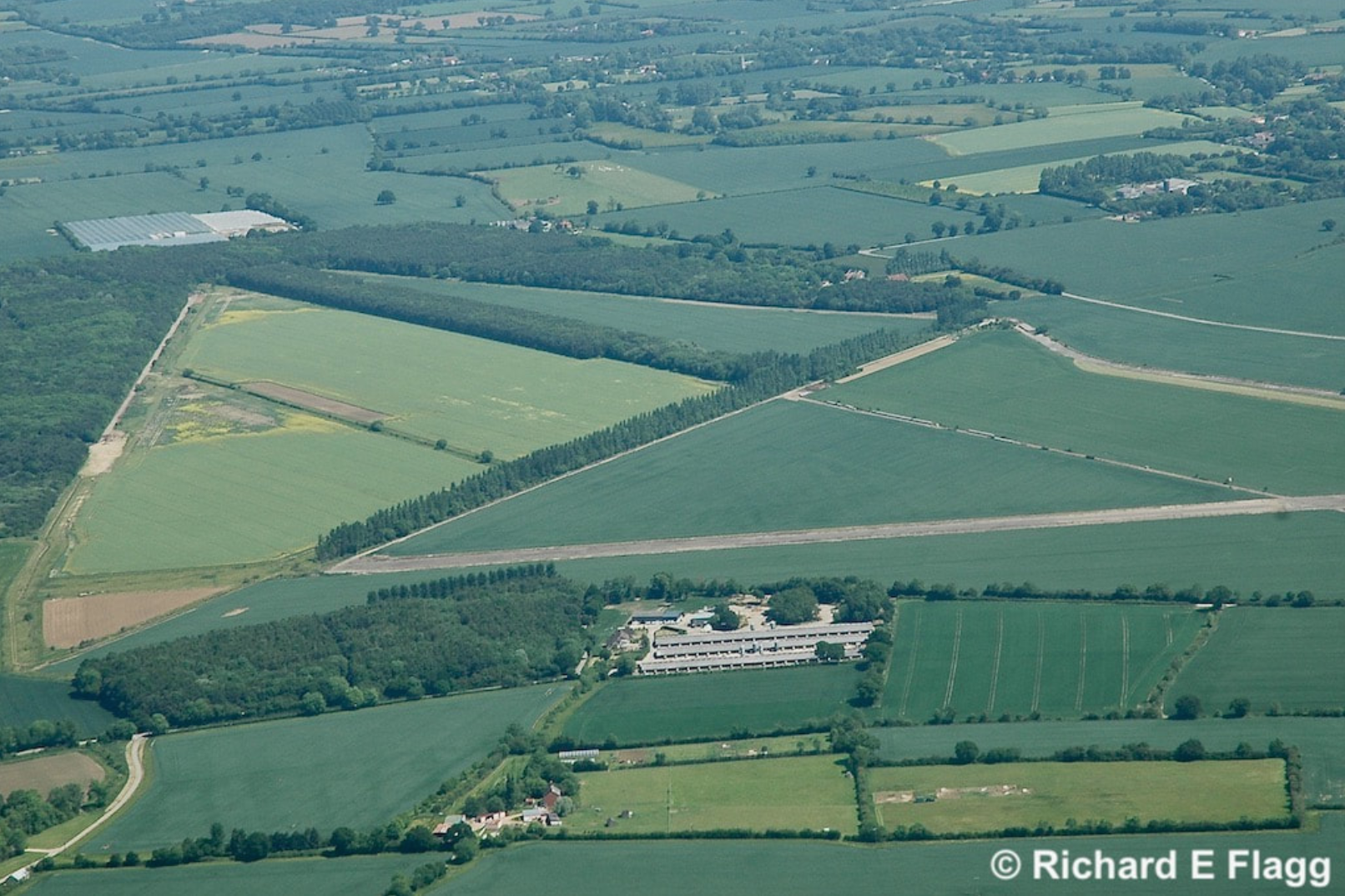 005Aerial View 2 of RAF Hardwick Airfield - 31 May 2009.png
